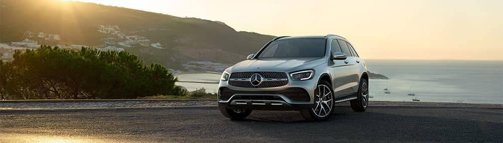 Mercedes-Benz-SUV-parked-by-lake
